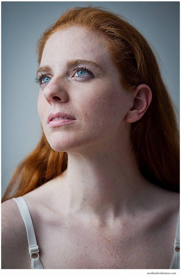 https://archives.marklaubenheimer.com/image.php?image=/models/2012/02-22-2012_Elizabeth_Rhoades/er2web09.jpg&quality=70&width=600